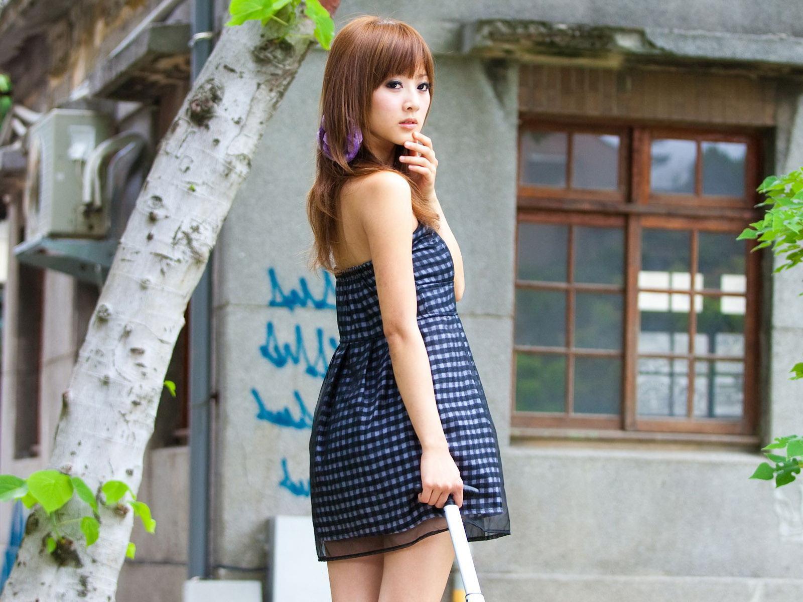 Японка в шортах фото 24 фотография