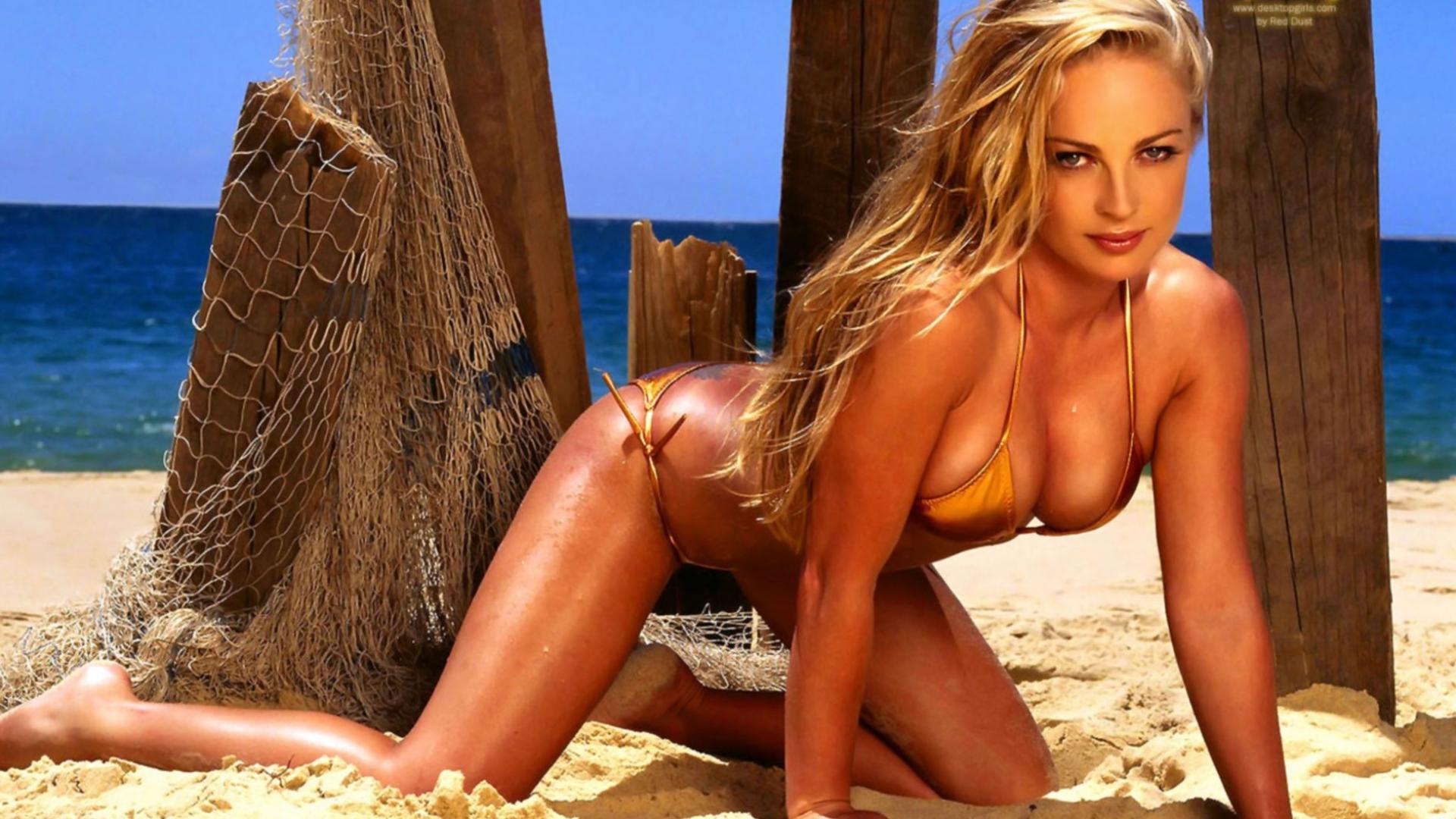 Фото моделей на пляже 3 фотография