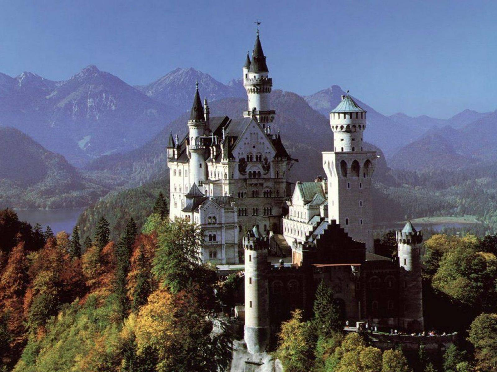 Обои замок нойшванштайн осенью - 4